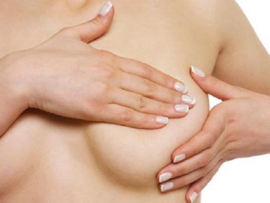 Núm vú bị tụt là nỗi ám ảnh của nhiều phụ nữ